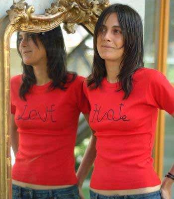 t shirt says hate but in mirror says love